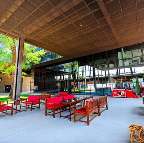Abdullah Gül University, Café, Demlik, lunch, snacks, green, tree, seating, friends, break